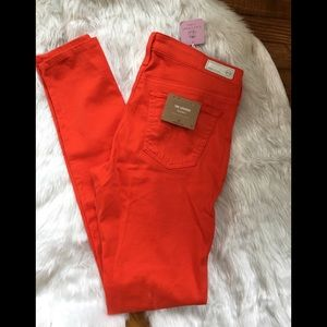 Adriano Goldschmied NWT The Legging Jean. Size 27